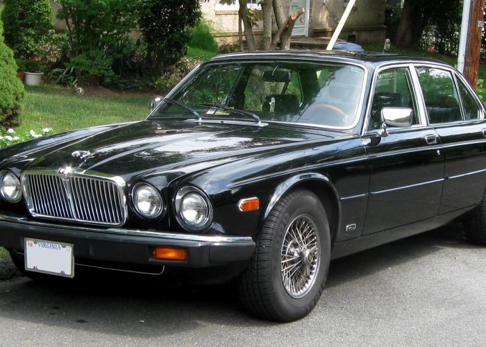 Daimler Sovereign (XJ6)