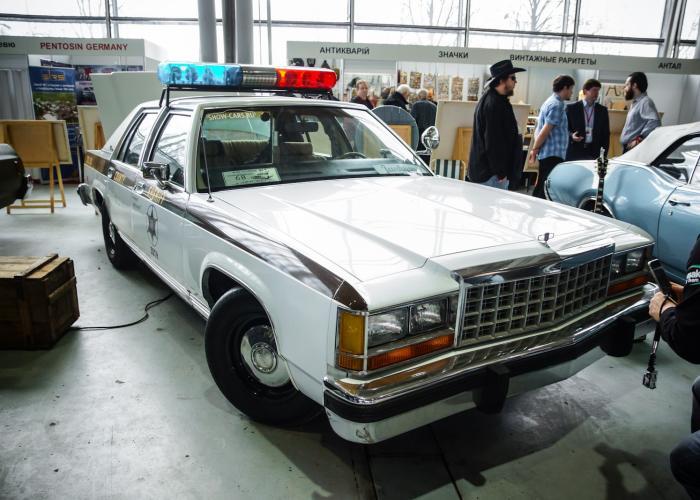 Ford LTD Crown Victoria
