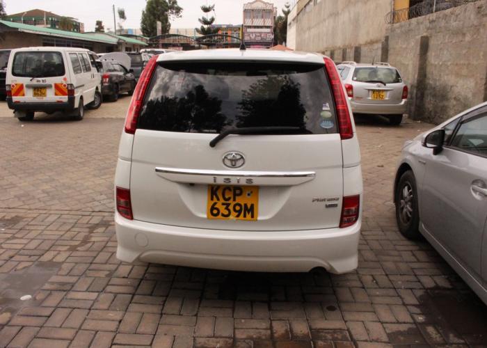 Toyota ISis